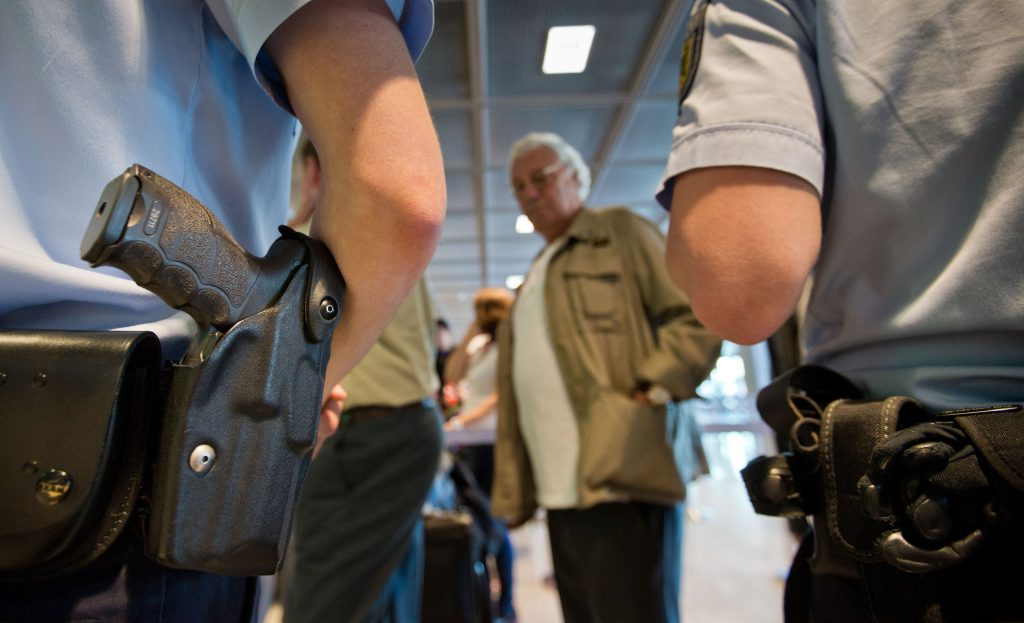 germany-us-airport-security-1